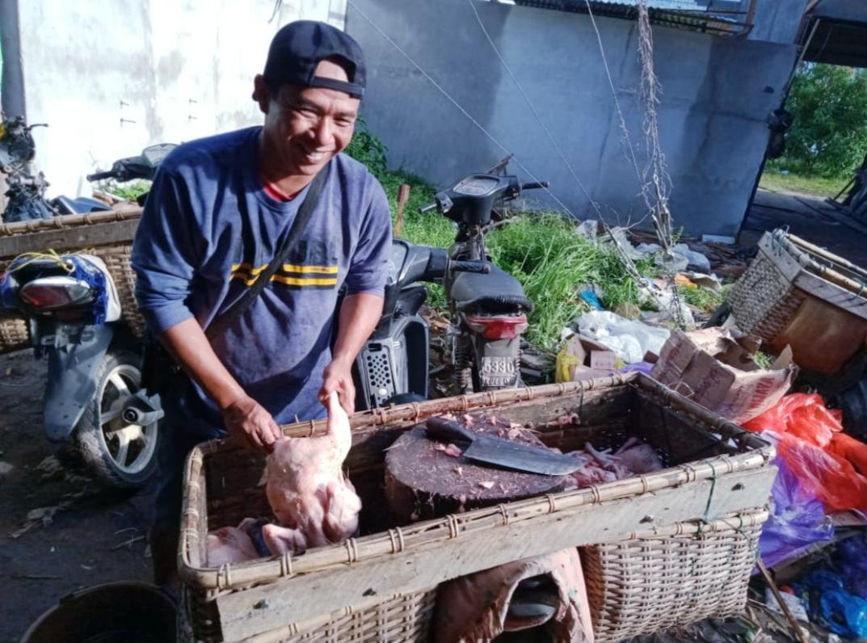 Pedagang Ayam Protes, Tak Dapat Lapak di Pasar Ratu Melati Ketapang